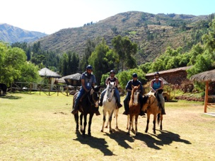 Horseback ride to Tipón